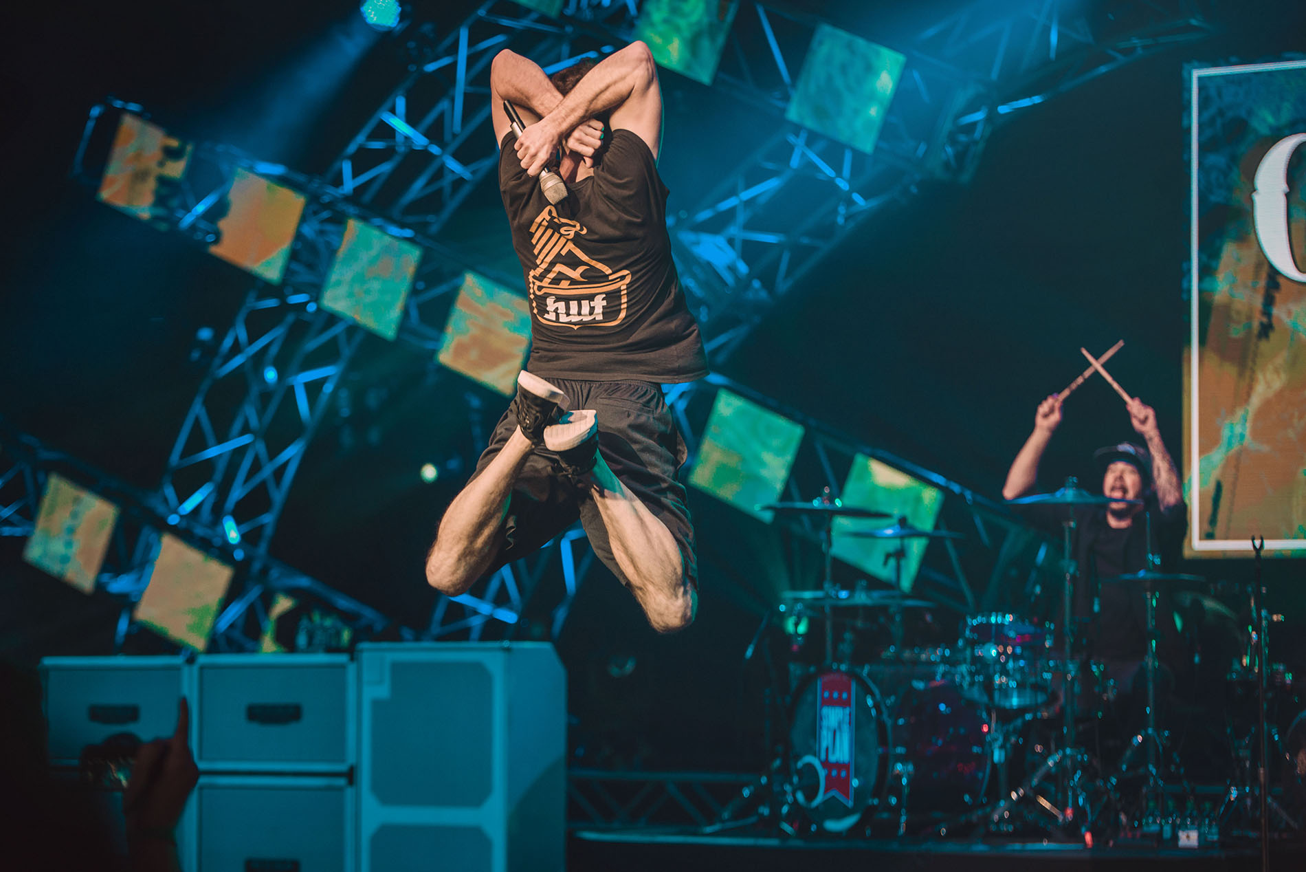 simple plan chuck disney garden rocks drummer jumping band concert rock photo photography image